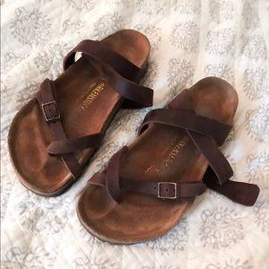 Birkenstock oiled leather sandal in the style Yara